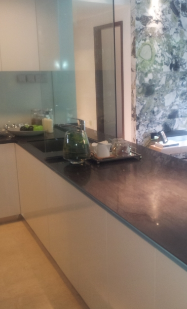 LUCRITE® SOLID SURFACE